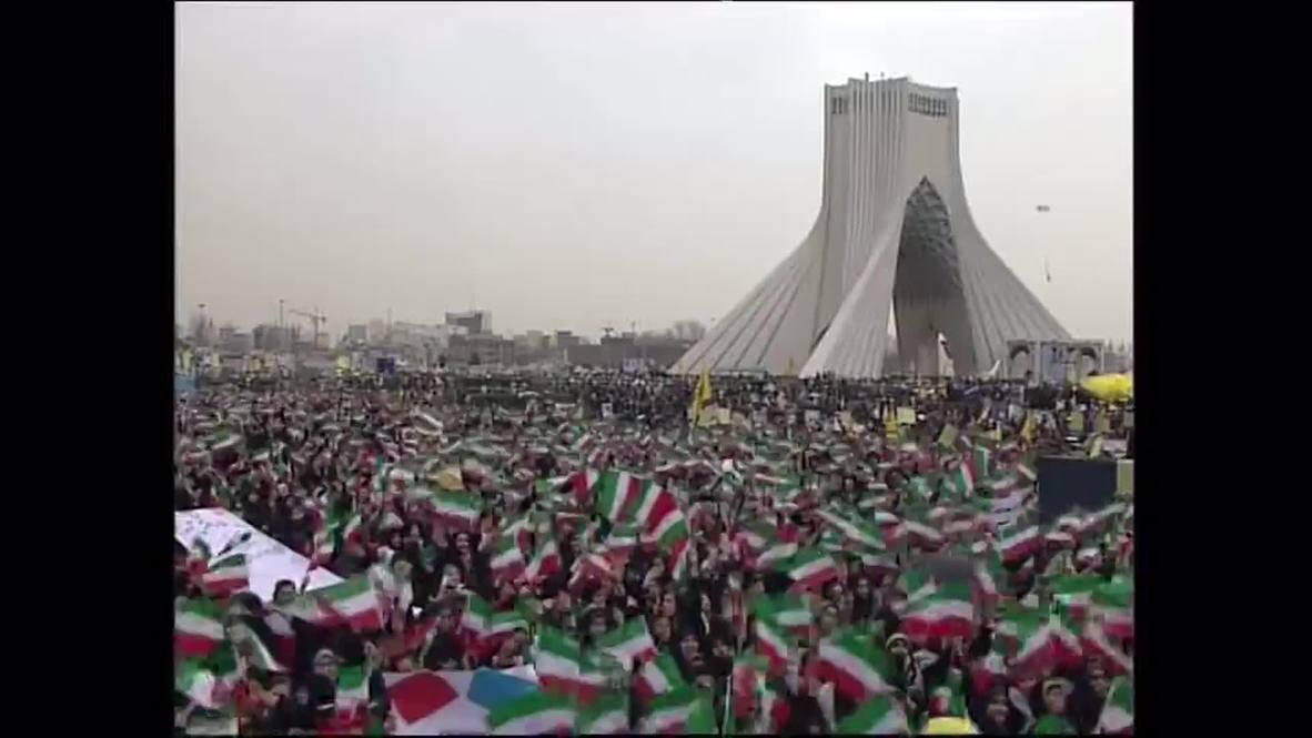 Iran: Hundreds of thousands mark Islamic Revolution in Tehran
