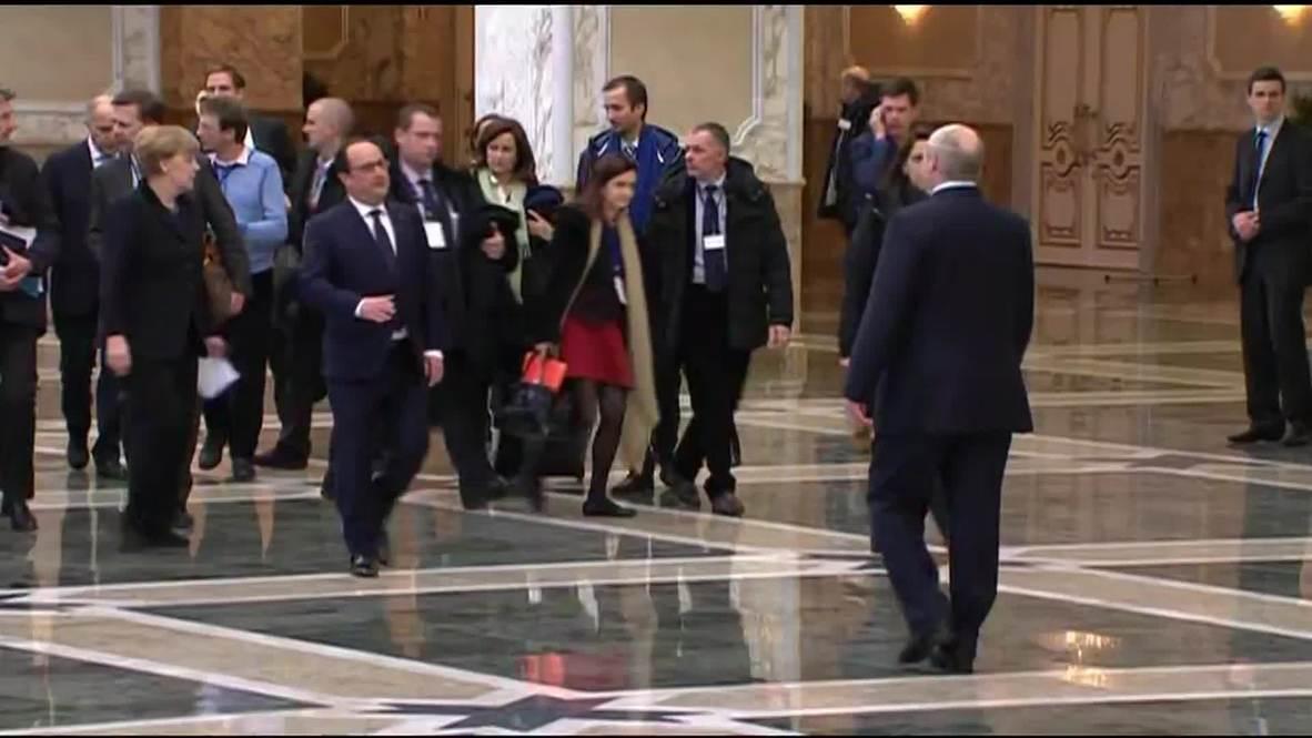 Belarus: Merkel and Hollande depart Minsk peace talks