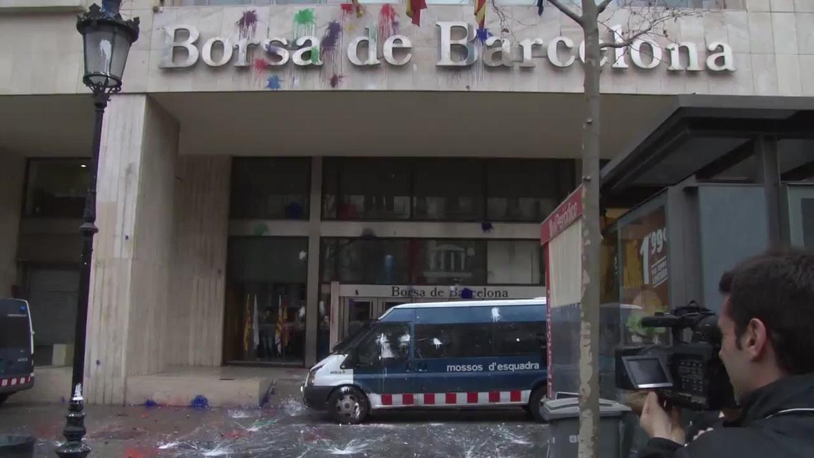 Spain: Rampaging students EGG the Barcelona stock exchange