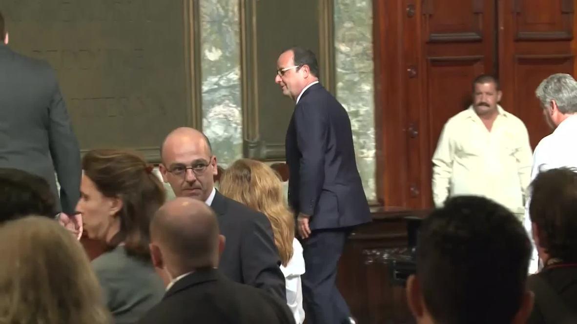 Cuba: Hollande visits University of Havana ahead of Castro meeting