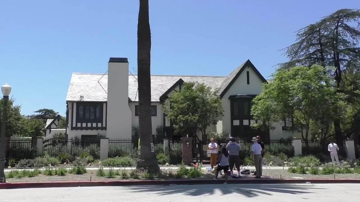 USA: #BlackLivesMatter activists occupy LA mayor's home