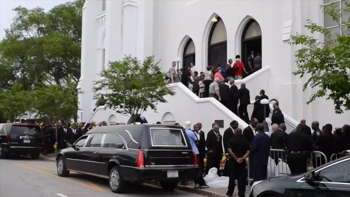 USA: Mourners pay respect to Sen. Clementa Pinckney at Charleston Emanuel AME