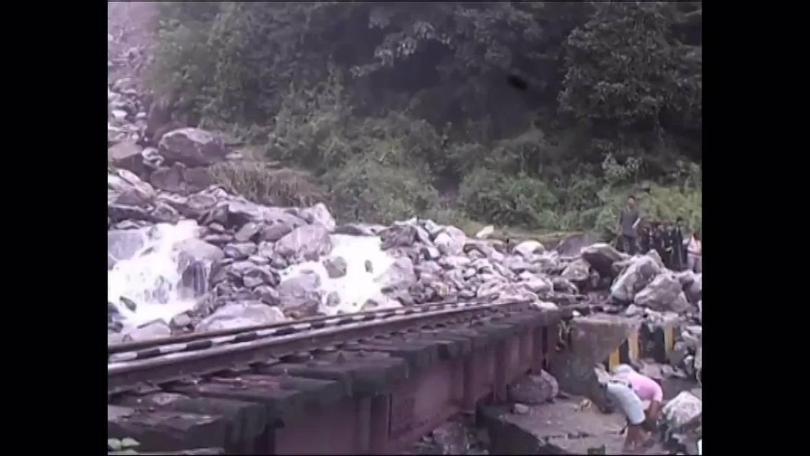 India: At least 38 killed as torrential rain brings landslides to Darjeeling *GRAPHIC*