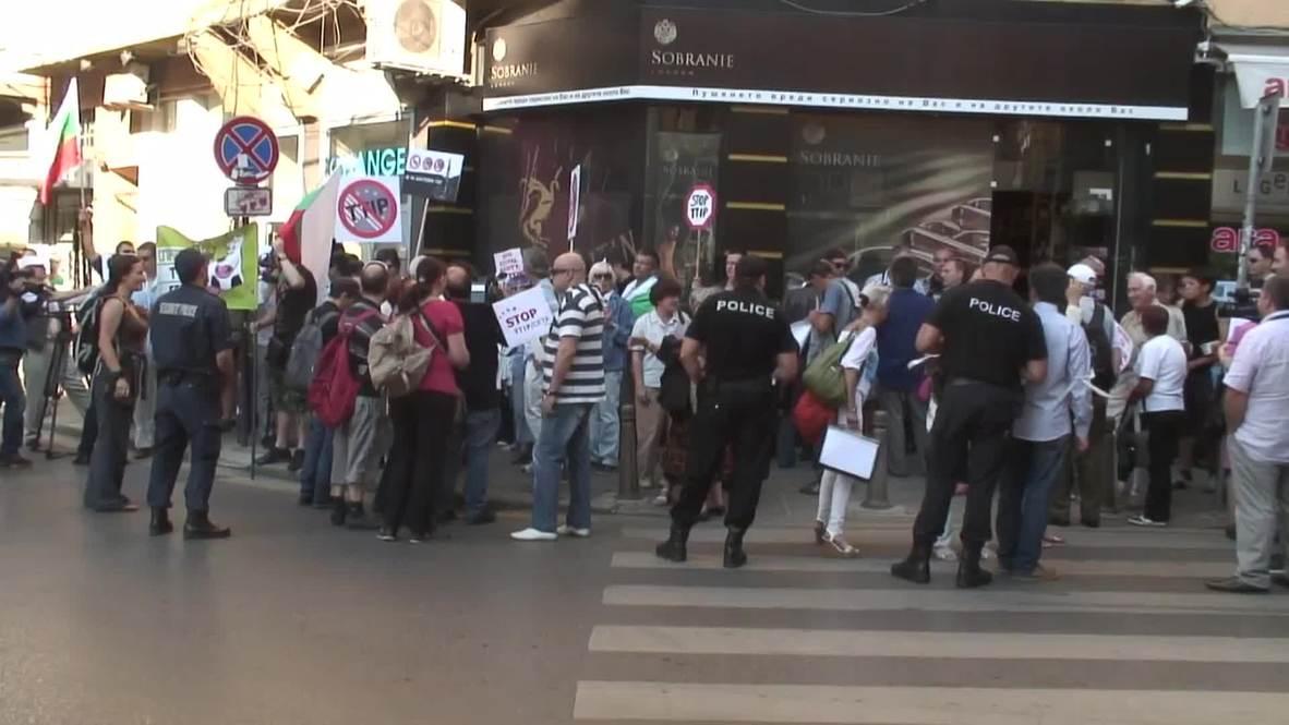 Bulgaria: Anti-TTIP protesters march through SOFIA