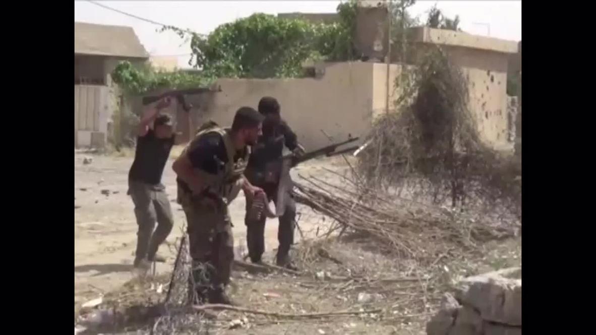 Iraq: Shia militants battle IS for Baiji oil refinery *GRAPHIC*