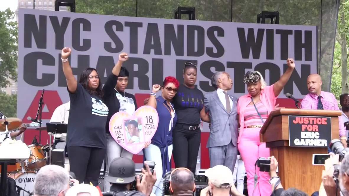 USA: Al Sharpton joins protest in memory of Eric Garner