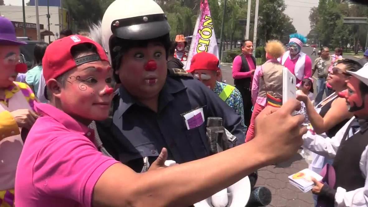 Mexico: Clowns flock to Mexico City for Catholic pilgrimage