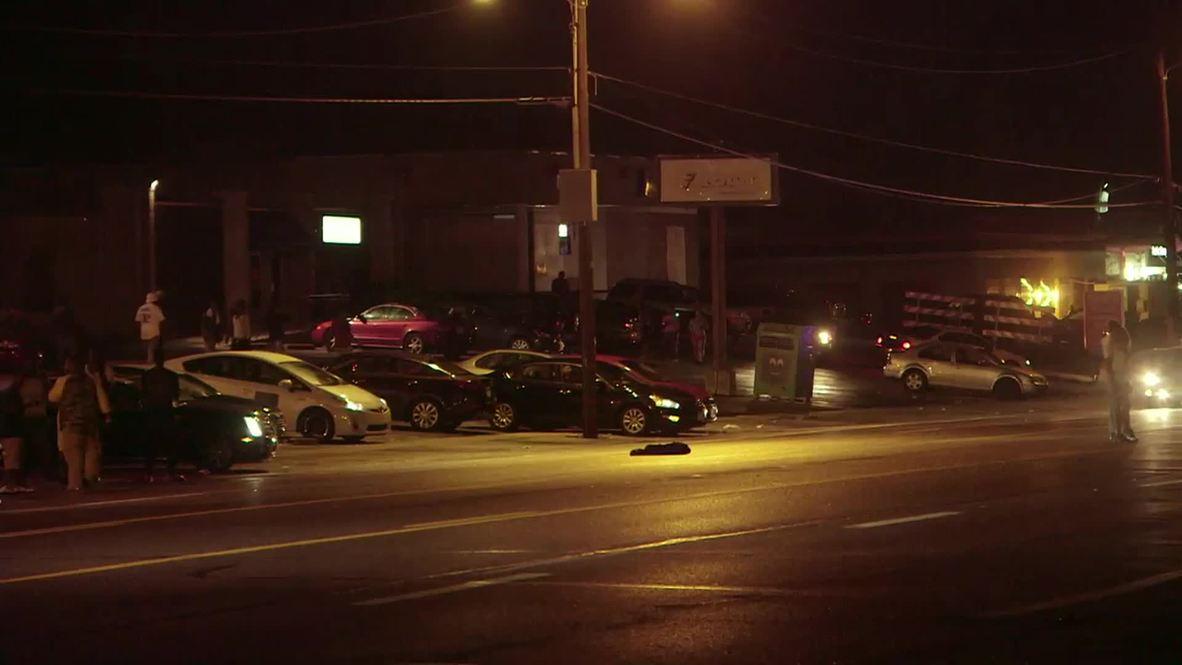 USA: SWAT team arrives in Ferguson after gunfire
