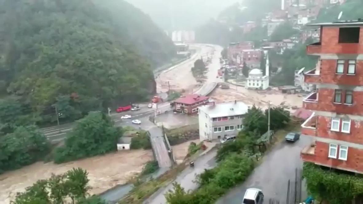 Turkey: At least 7 dead in severe floods in Artvin