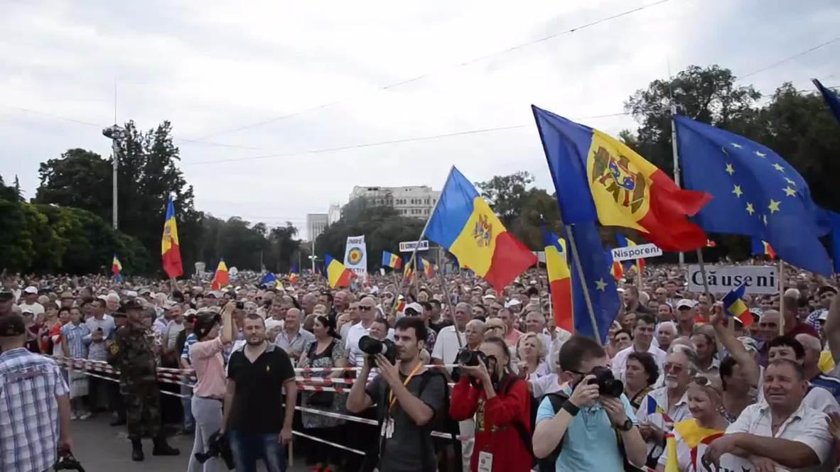 Moldova: Tens of thousands fill Chisinau anti-govt rally