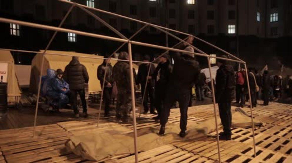 Ukraine: Radical Party set up own mini-Maidan outside gov building