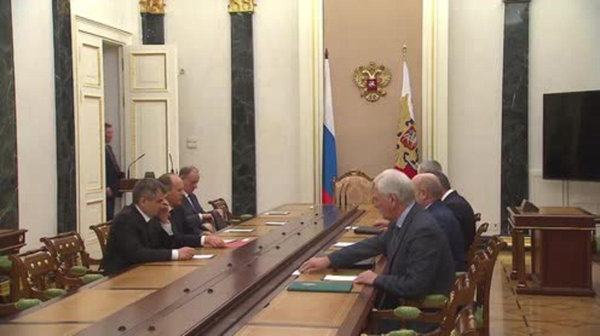 Russia: Putin meets Security Council over Sinai crash, Ukraine  Syria talks