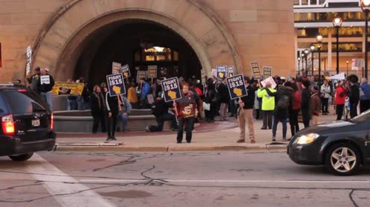 USA: 'I want my fifteen dollars!' - minimum wage protest hits Milwaukee