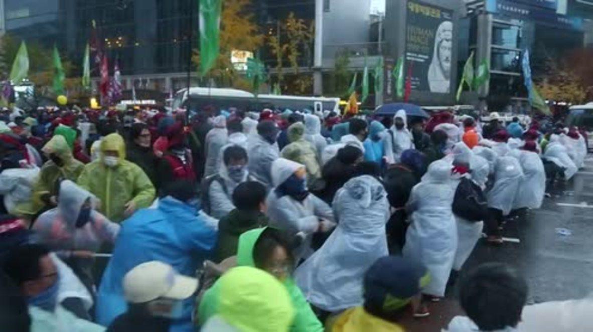 South Korea: Anti-govt protests turn violent in Seoul