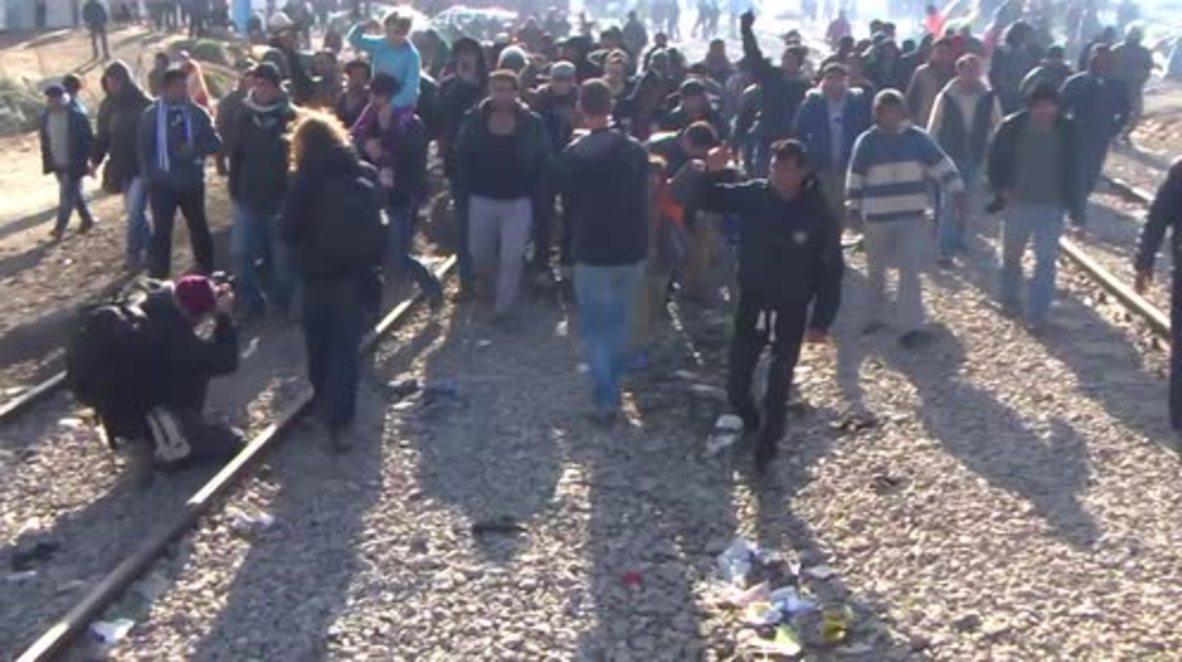 Greece: Somali, Iranian refugees protest at Idomeni demanding entry into Macedonia