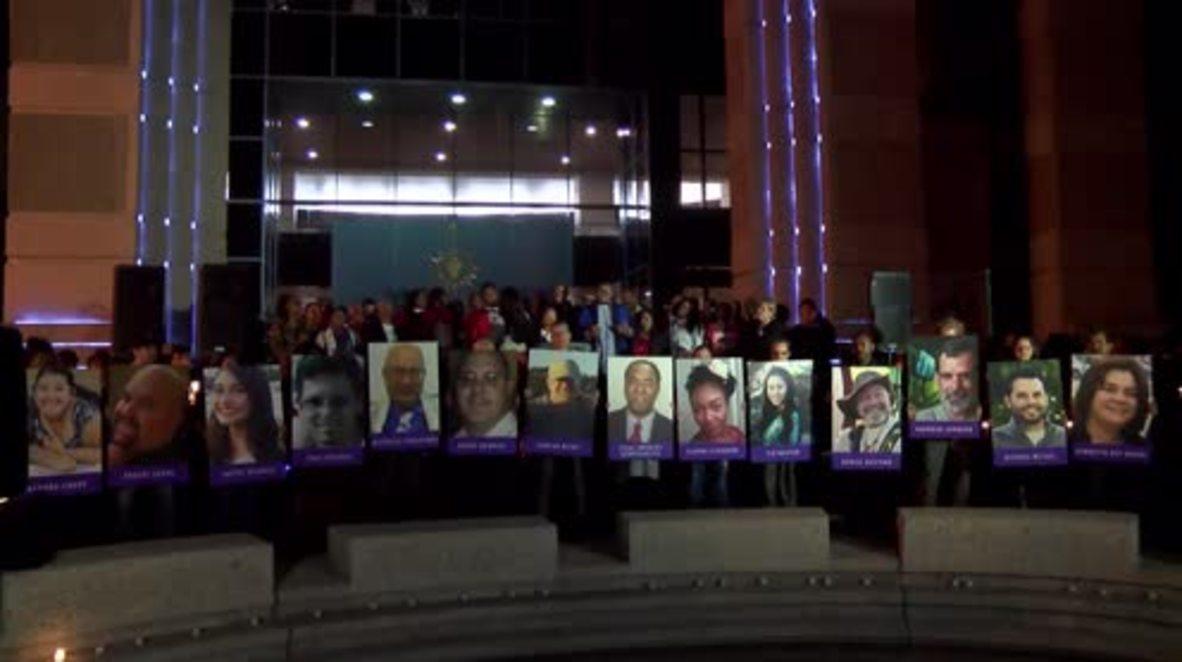 USA: Hundreds pay tribute to victims of San Bernardino shooting