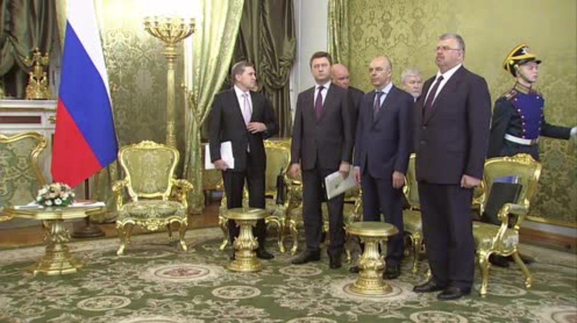 Russia: Putin meets Kyrgyz counterpart Atambayev in Moscow