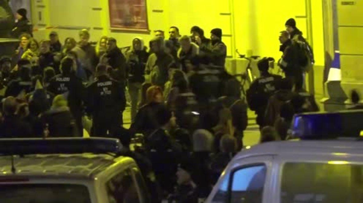 Germany: PEGIDA and AntiFa supporters clash in Munich