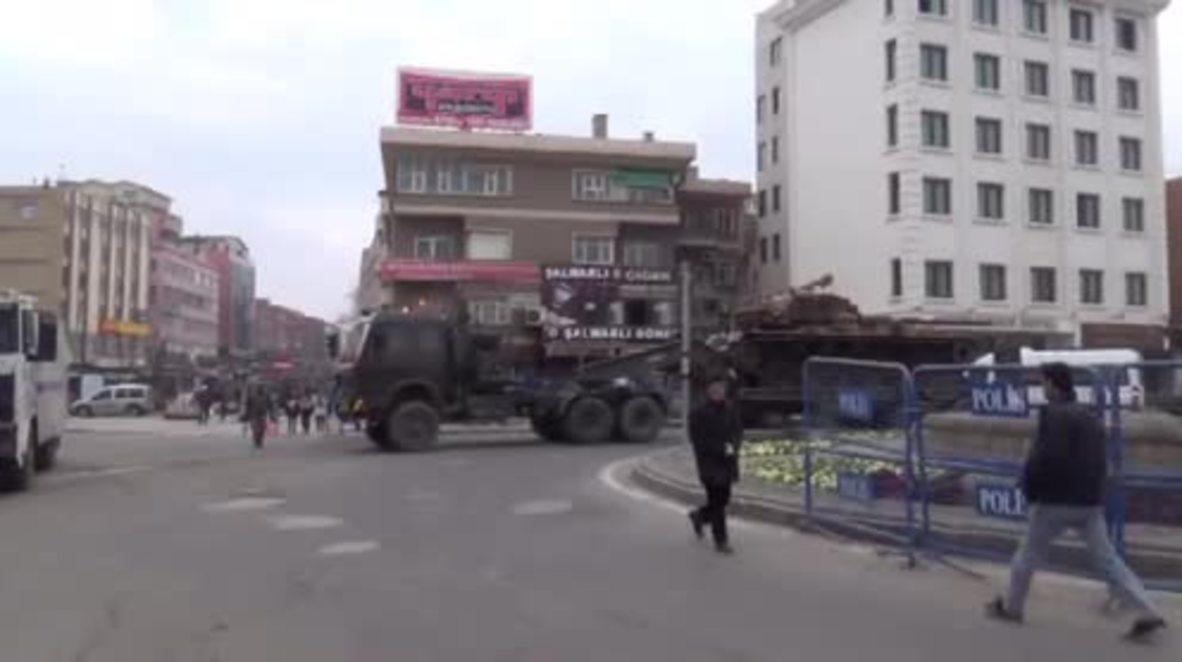Turkey: Tank deployed once again on streets of Diyarbakir