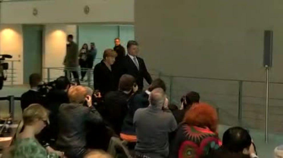 Germany: Poroshenko says sanctions against Russia must remain