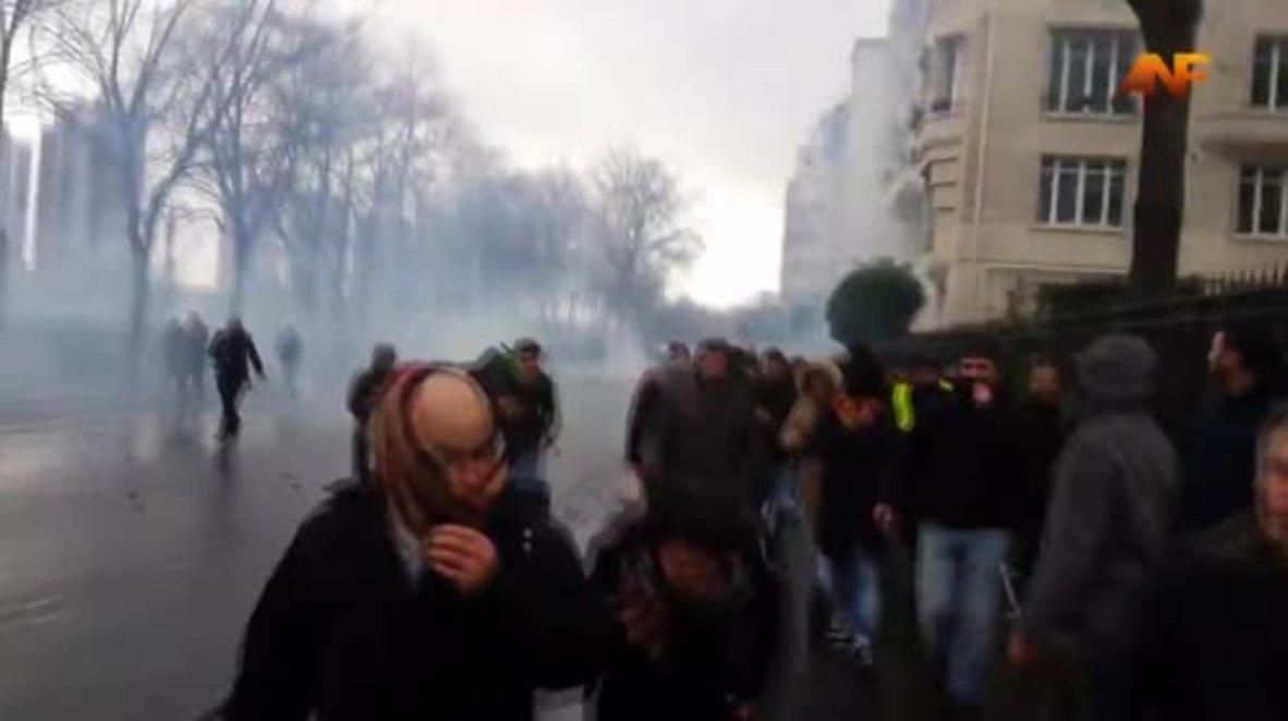 France: Pro-Kurdish protesters taste tear-gas after 17 arrested in Paris