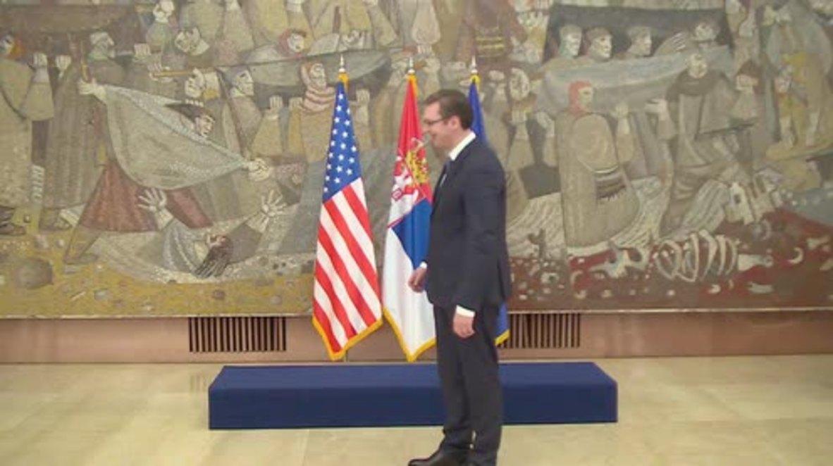 Serbia: PM Vucic meets US Senator McCain to discuss refugee crisis