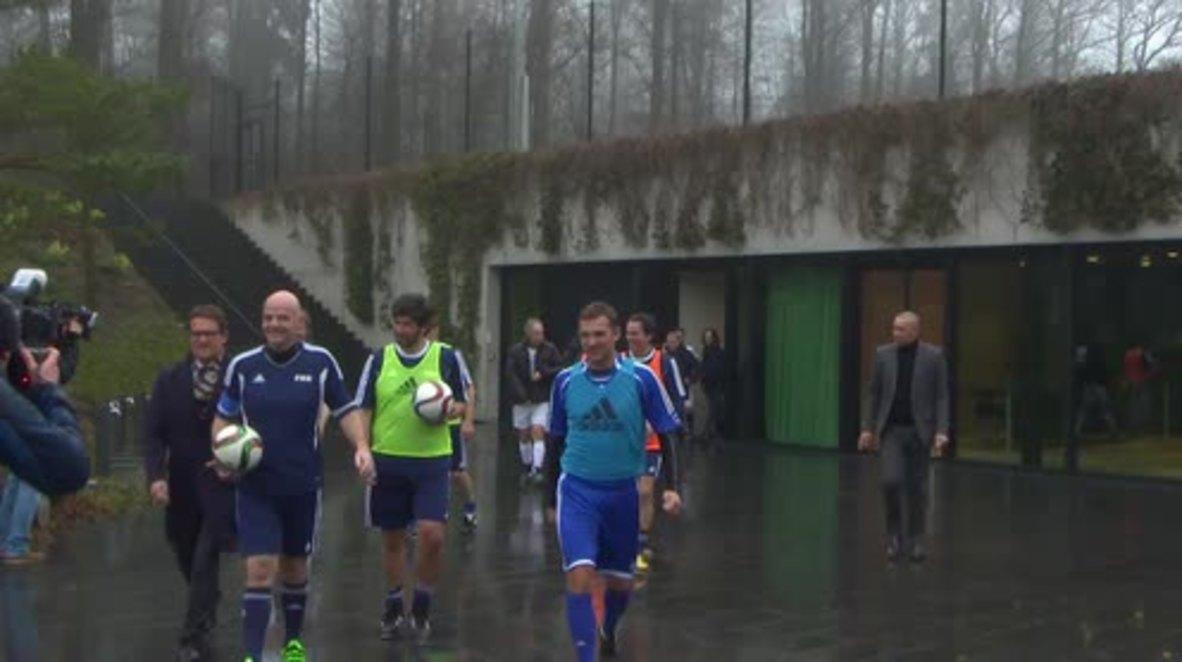 Switzerland: FIFA president Infantino plays friendly with football veterans