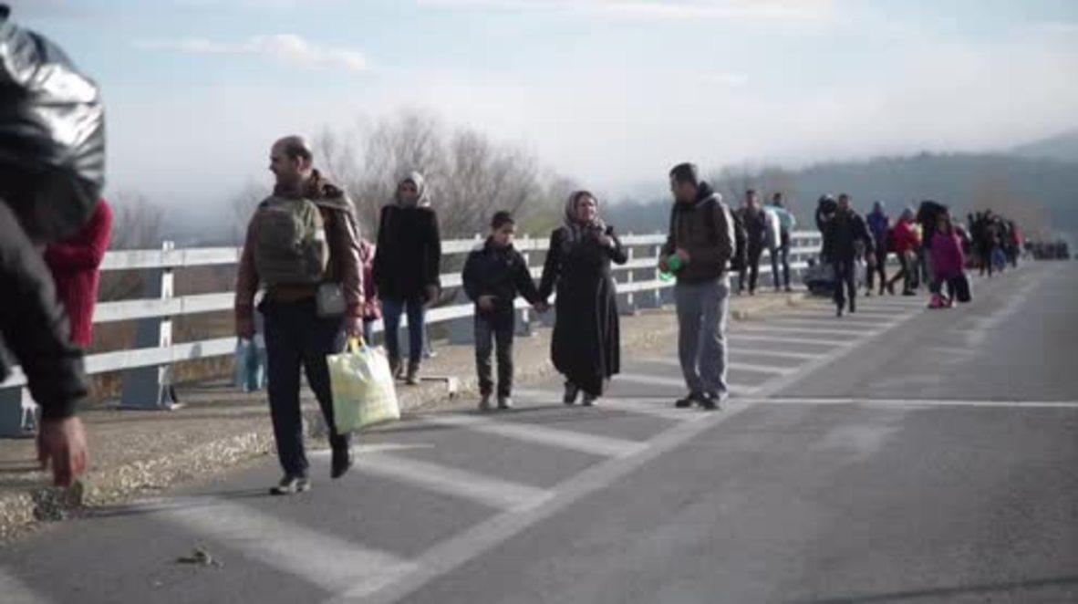 Greece: Refugees continue streaming into Idomeni camp on Macedonian border