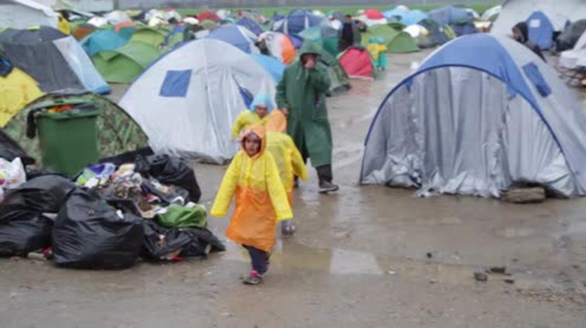 Greece: Refugees brave Idomeni rain as Macedonia completely shuts border