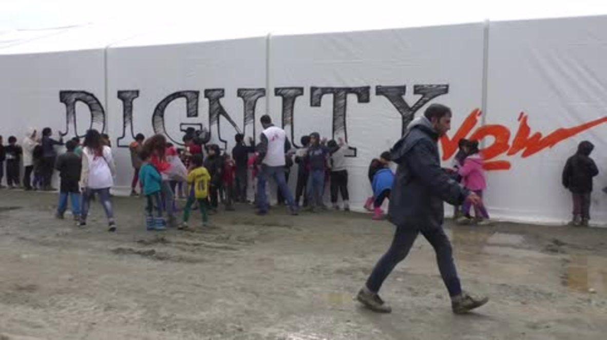 Greece: Refugee children demand 'Dignity Now' from EU-Turkey summit