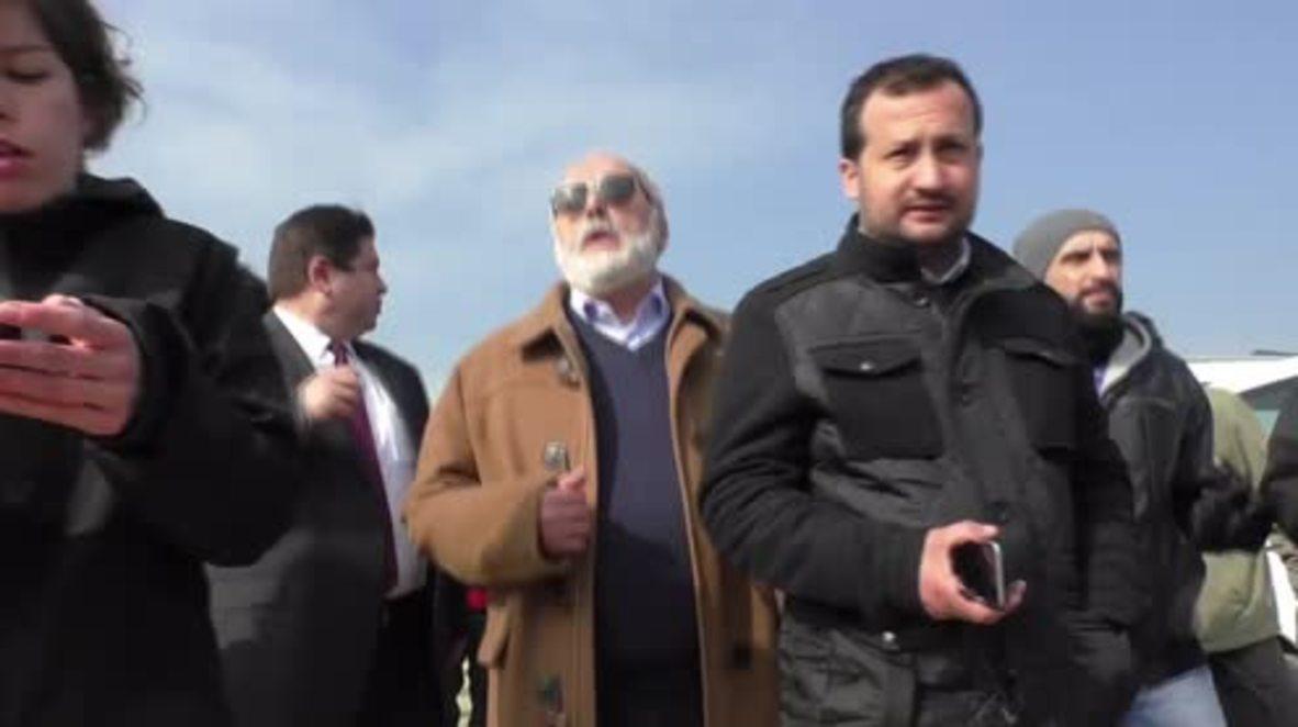 Greece: IntMin Kouroumblis visits Idomeni refugee camp