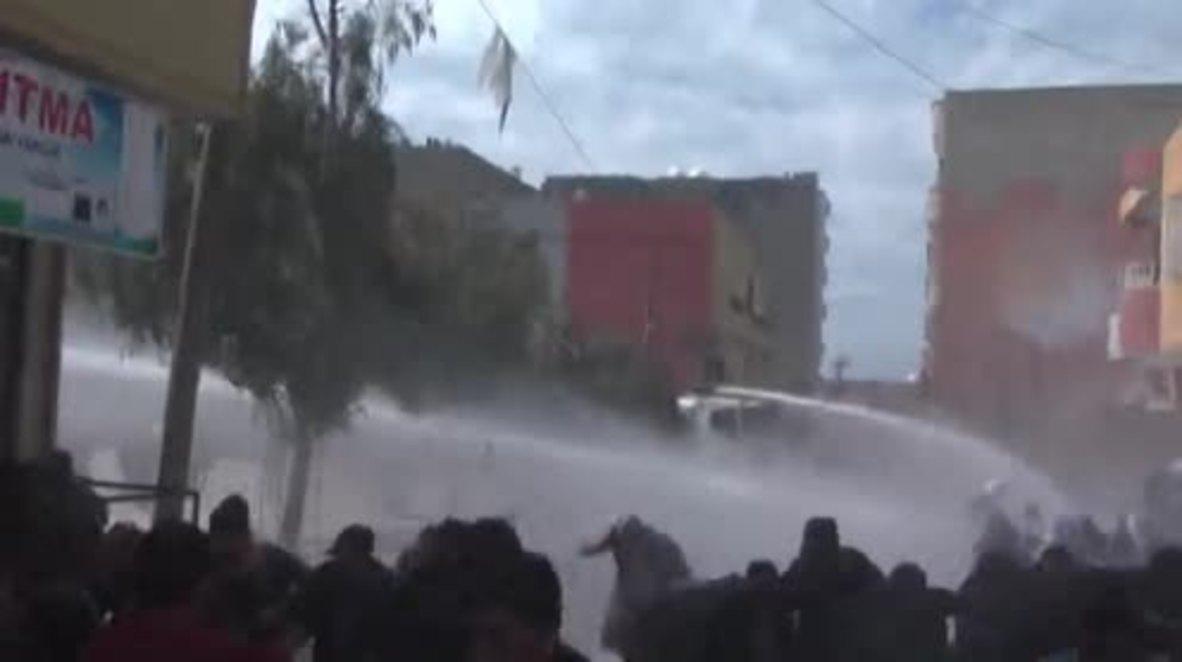 Turkey: Police use water cannons to disperse Kurds celebrating Newruz