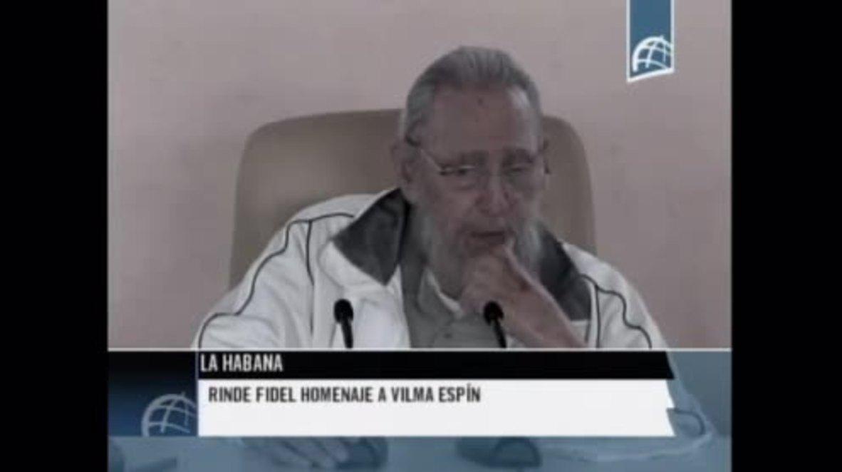 Cuba: Fidel Castro makes rare public appearance