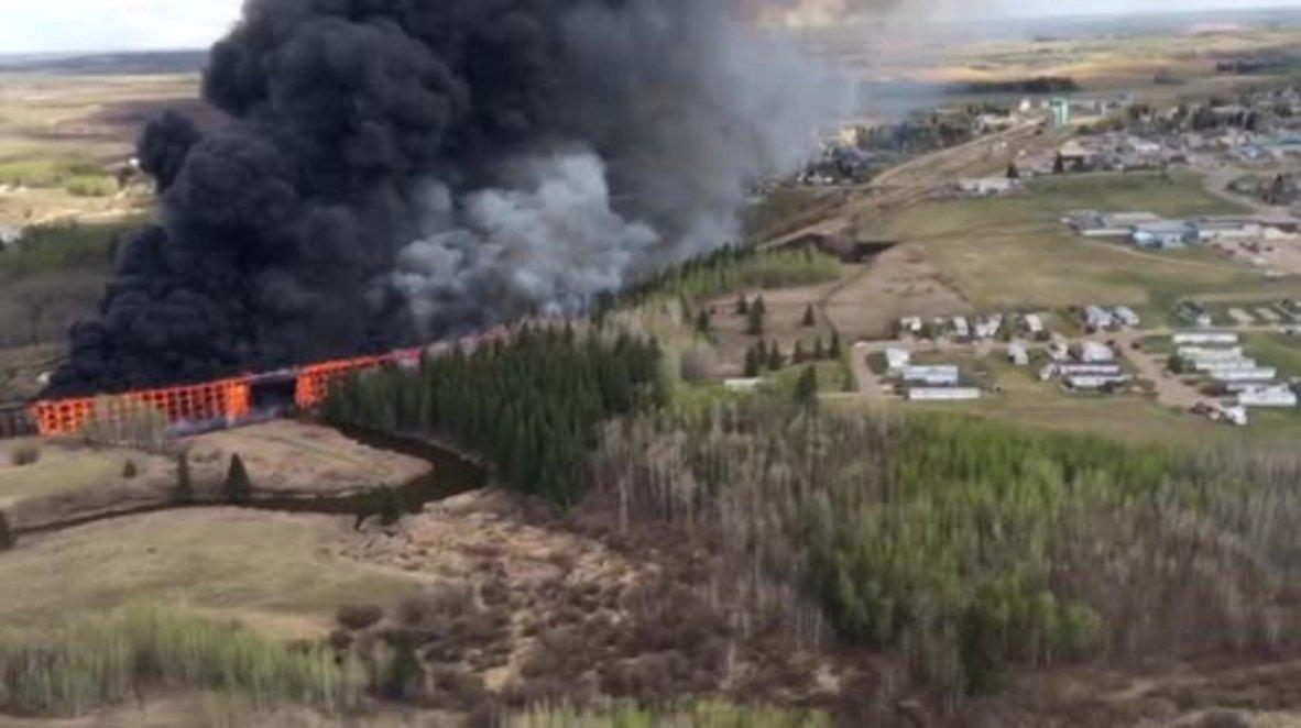 Canada: Huge fire destroys CN Rail trestle bridge in Mayerthorpe
