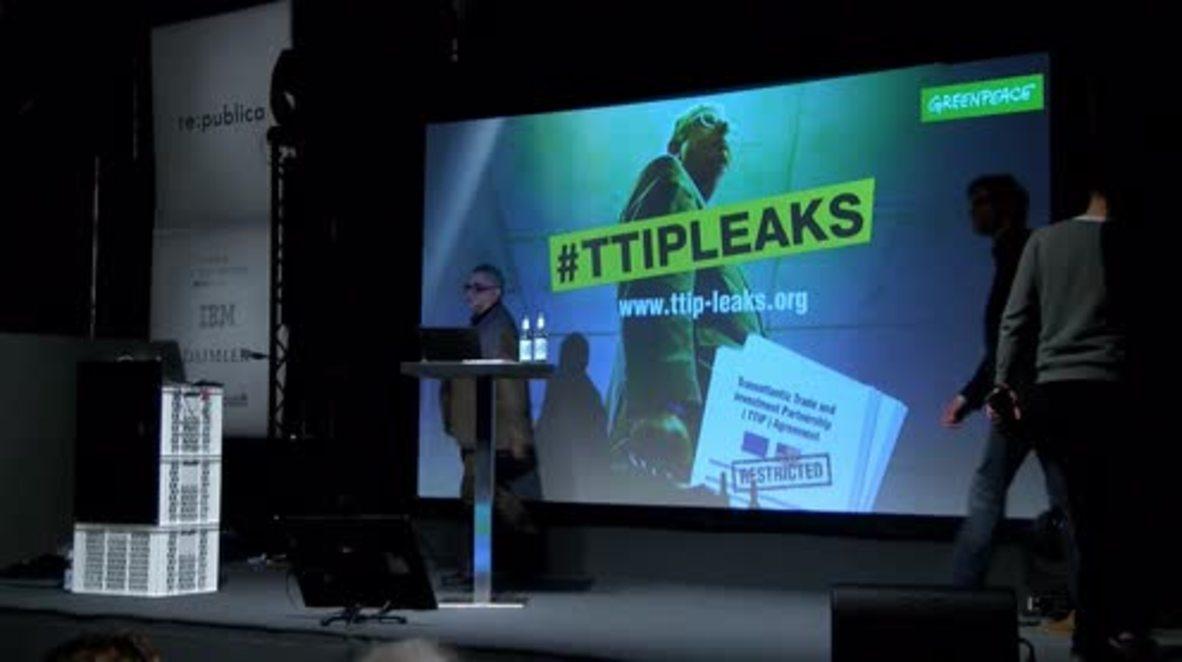 Germany: Greenpeace unpacks TTIP leaks in Berlin