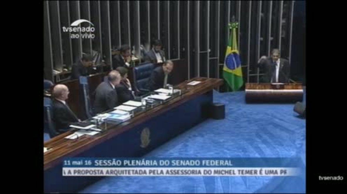 Brazil: Senate Pres. cuts mic on lengthy impeachment speech, senator ploughs on anyway