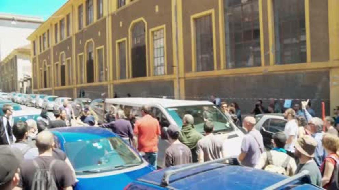 Italy: Anti-fascists attack German tourist's minivan in case of mistaken identity