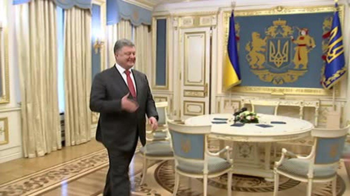 Ukraine: Poroshenko meets with Savchenko in Kiev