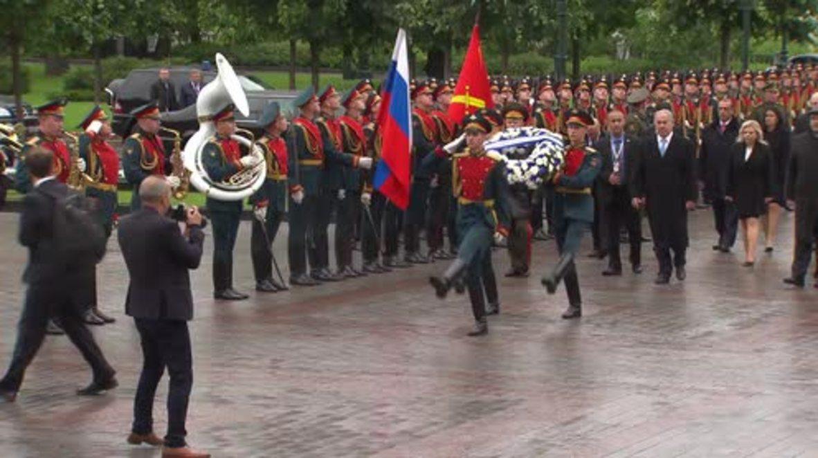 Russia: Netanyahu honours fallen Soviet heroes in Moscow