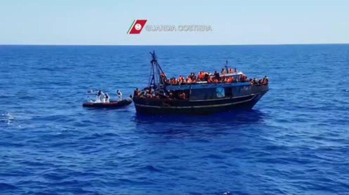 Mediterranean Sea: 223 refugees picked up off Sicilian coast