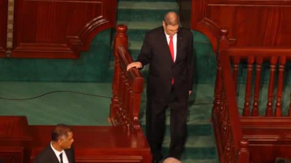 Tunisia: Parliament sacks PM Essid after crushing no confidence vote