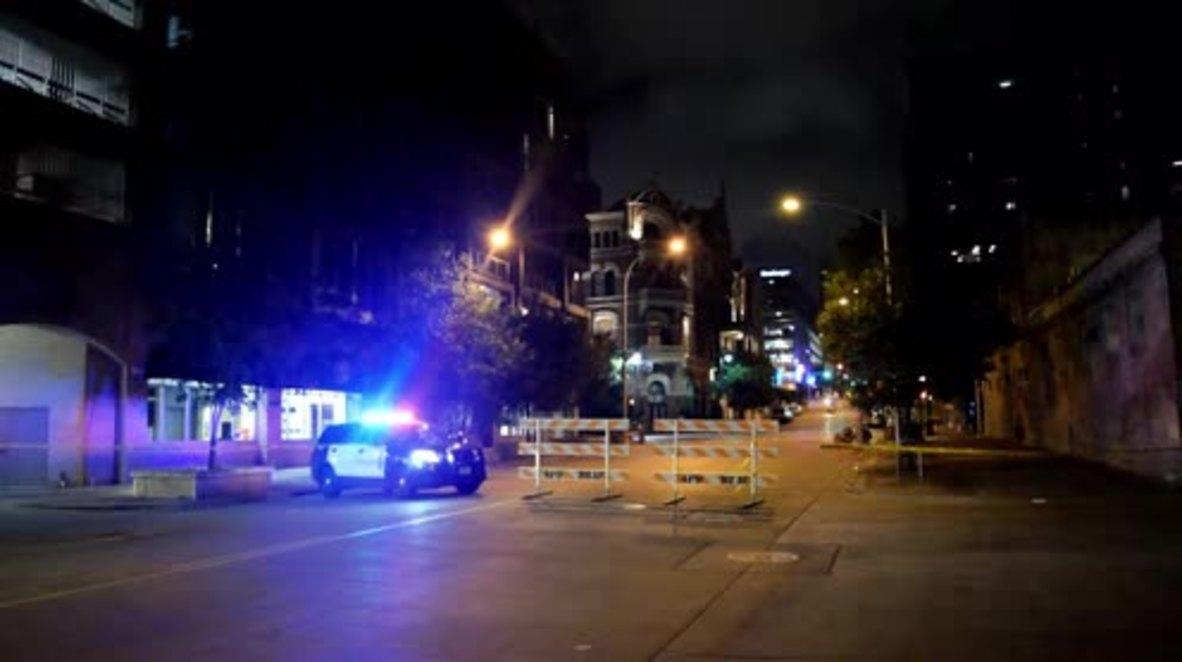 USA: Police shutdown central Austin as gunman remains at large