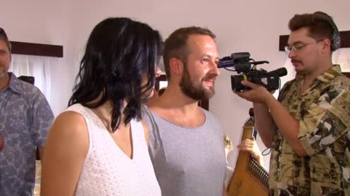 Ukraine: Viva Odessa! Couples tie the knot at new 24 hour registry office