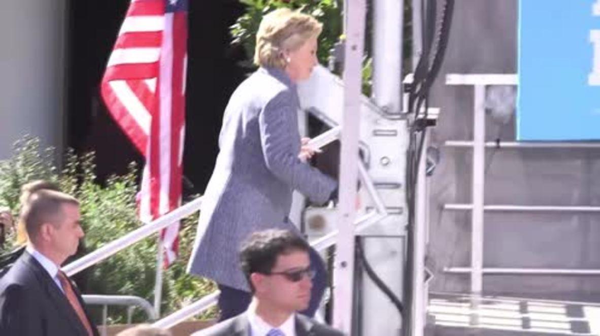 USA: Clinton slams Trump over his missing tax returns at Iowa rally