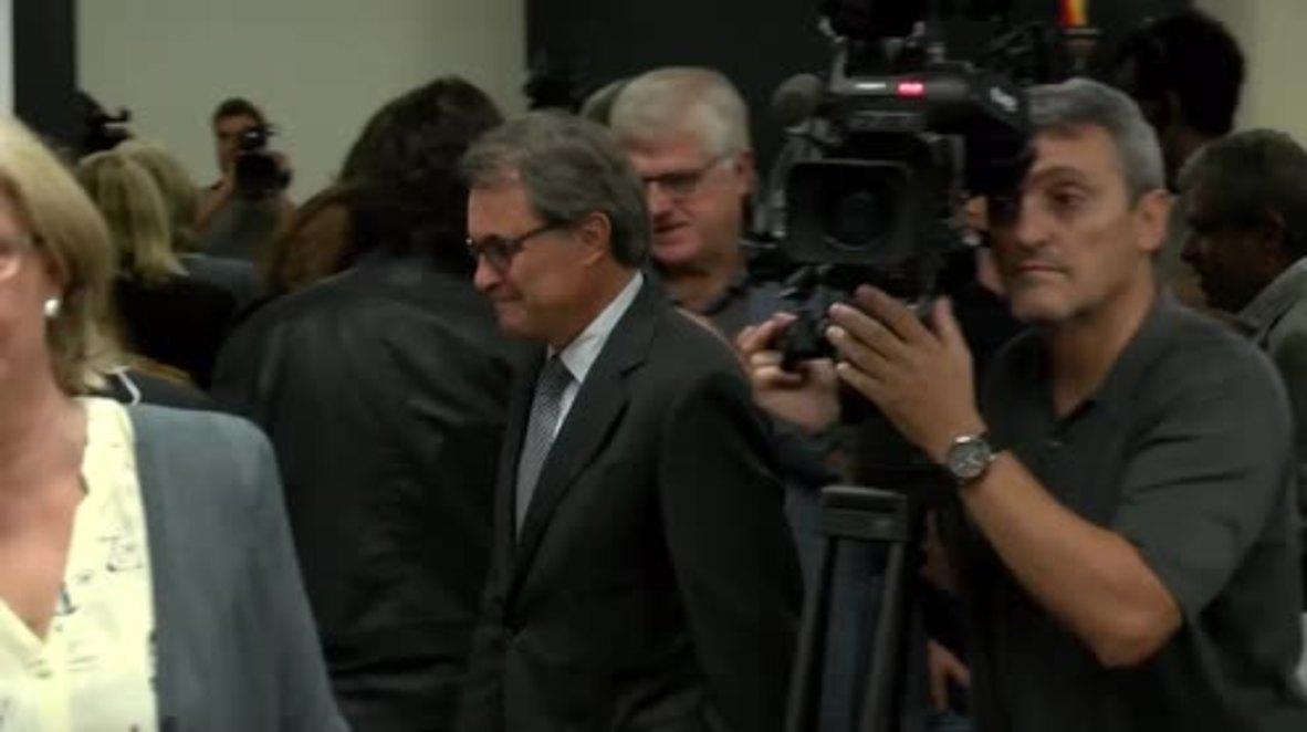 Spain: Ex-Catalan Pres. Mas defiant as prosecutors seek his 10-yr disqualification