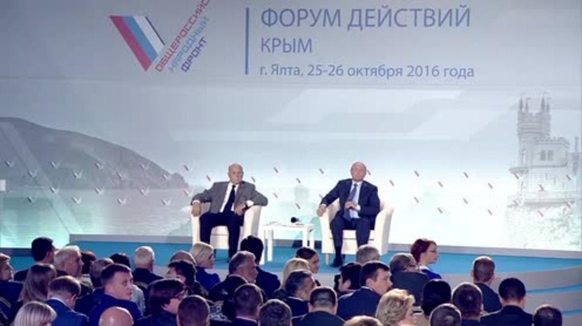Russia: Putin brands culprits behind Crimean energy blockade 'incredible idiots'