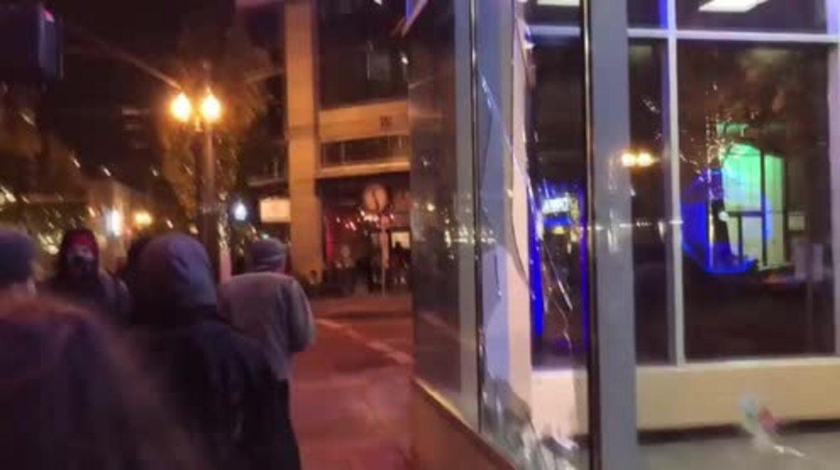 USA: Protesters vandalise Portland stores in anti-Trump demo