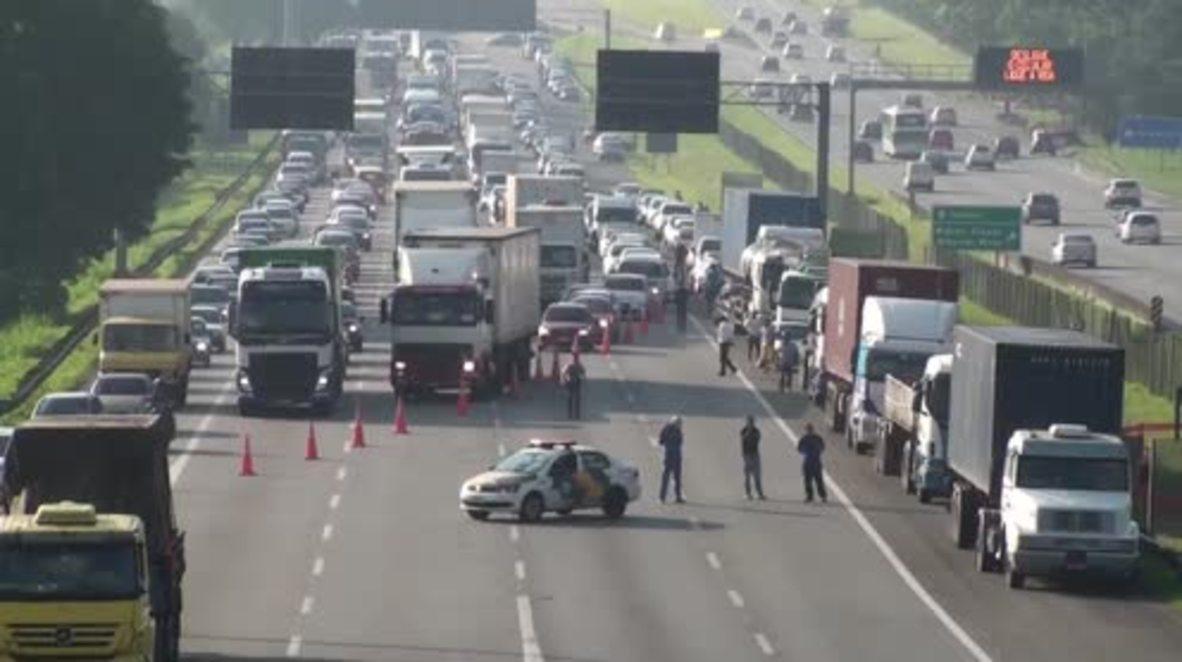Brazil: Anti-Temer protesters block Rio-Sao Paulo motorway over welfare cuts
