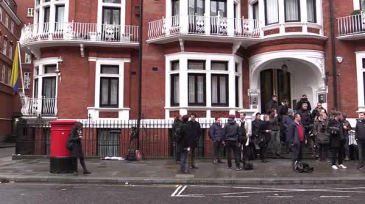 UK: Prosecutor arrives to question Julian Assange at Ecuadorian embassy