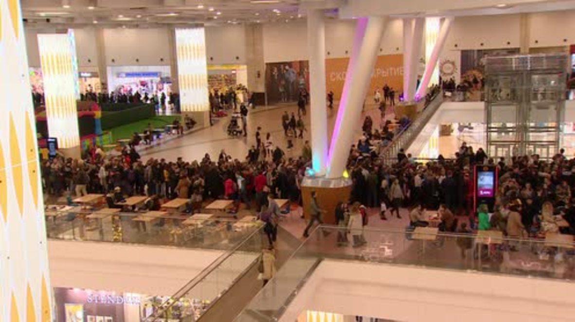 Russia: Thousands queue to meet Rammstein frontman Till Lindemann in Moscow